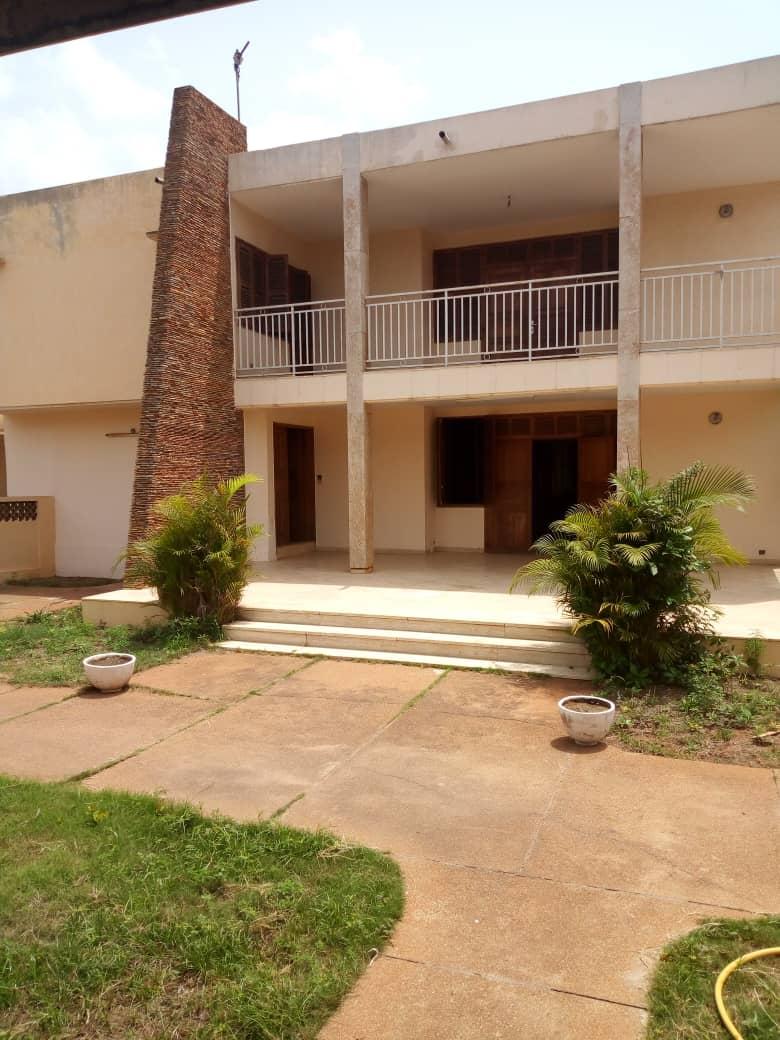 N° 4497 :                             Villa à louer , Forever, Lome, Togo : 700 000 XOF/mois