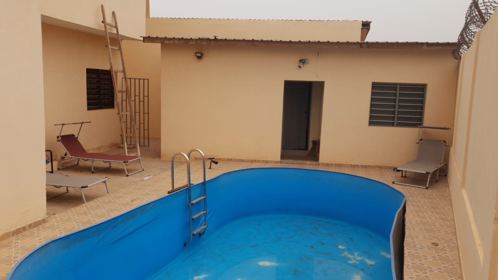 Villa meublée à louer , adidogome                         (Carrefour Aïsed)                     , Lome : 600 000 FCFA/mois