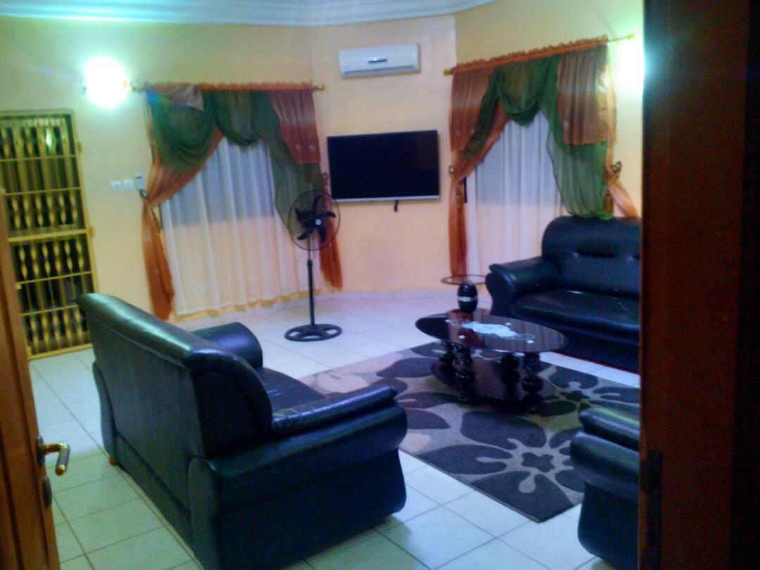 N° 4351 :                             Appartement meublé à louer , Avepozo , Lome, Togo : 300 000 XOF/mois