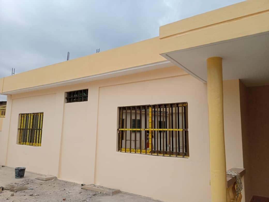 N° 4748 :                         Villa à louer , Agoe camp, Lome, Togo : 300 000 XOF/mois