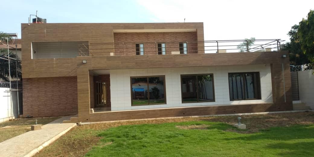 Villa à louer , hedzranawoe                         (Non loin du marché)                     , Lome : 700 000 FCFA/mois