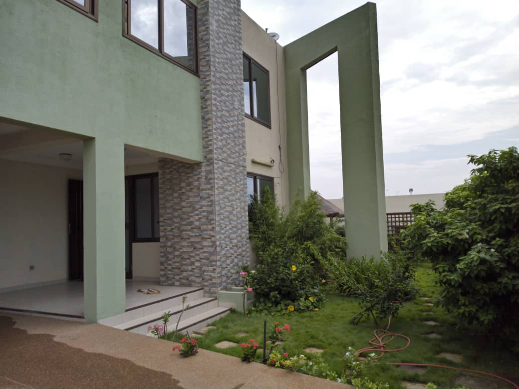 Villa meublée à louer , Lome, baguida