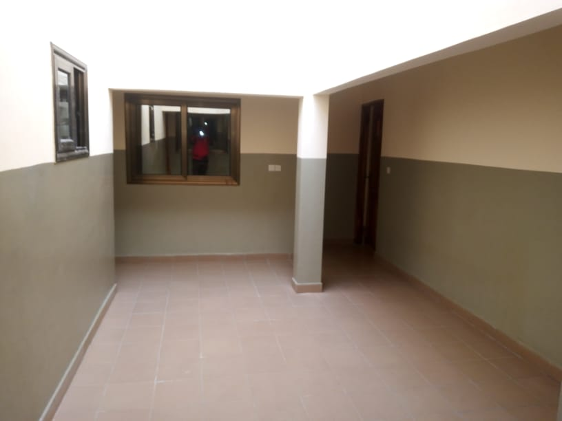 N° 5107 :                         Chambre salon à louer , Akodessewa, Lome, Togo : 50 000 XOF/mois