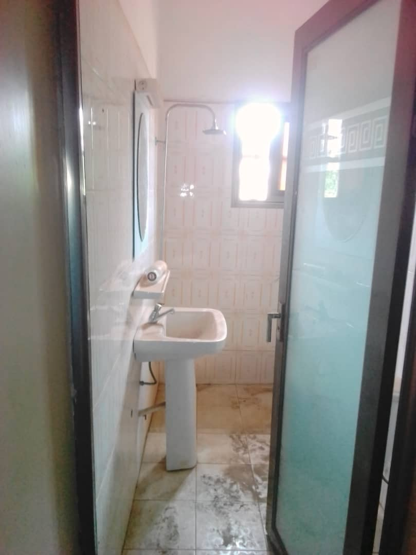 N° 4202 :                             Villa à louer , Agoe, Lome, Togo : 2 500  000 XOF/mois
