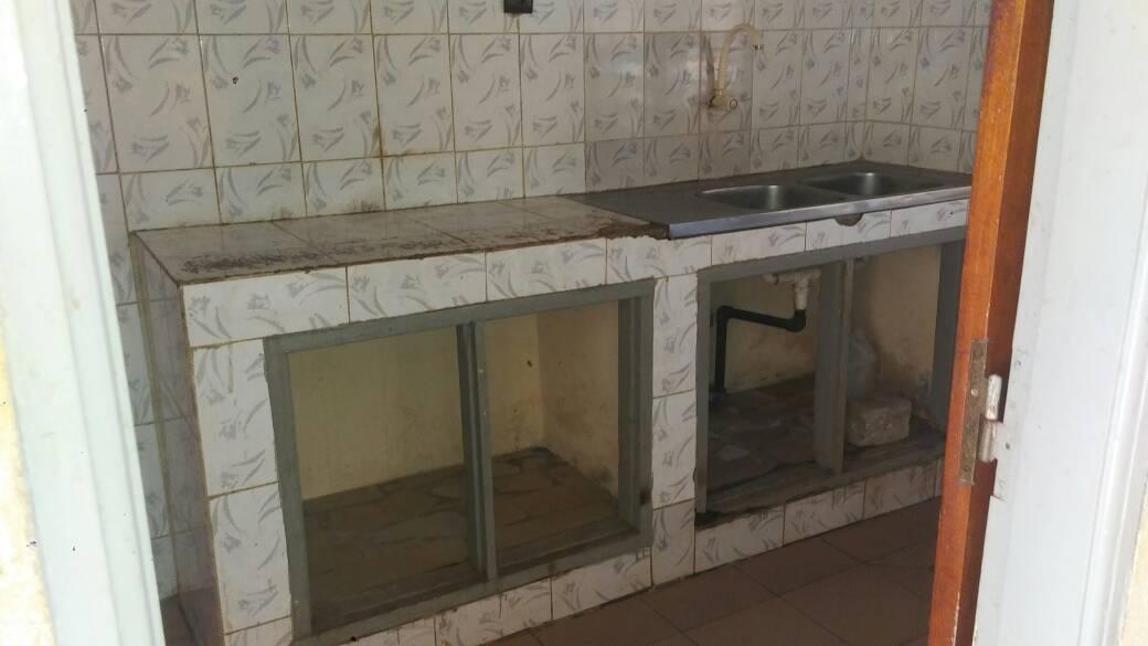Appartement à louer , amadahomé                         (Adidogomè Amadahomè juste derrière la station cap)                     , Lome : 70 000 FCFA/mois