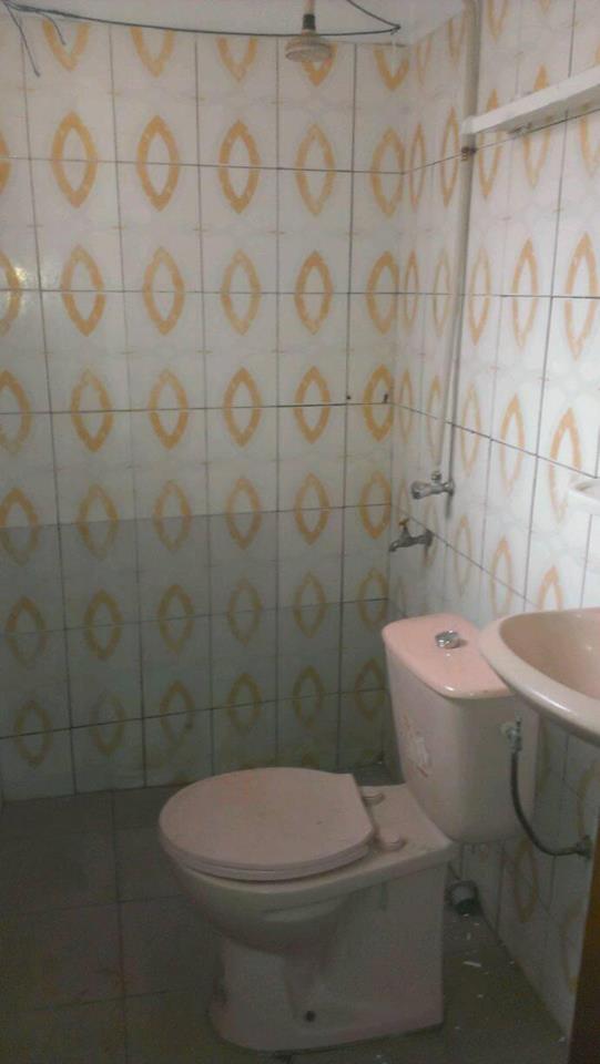 Chambre salon à louer , agoe                         (agoè Kossigan côté CEG)                     , Lome : 25 000 FCFA/mois