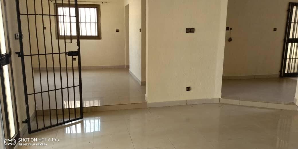 N° 4457 :                             Villa à louer , Agoe, Lome, Togo : 180 000 XOF/mois