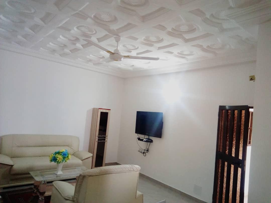 Appartement meublé à louer , tokoin                         (Non loin de la pharmacie AvéMaria)                     , Lome : 450 000 FCFA/mois