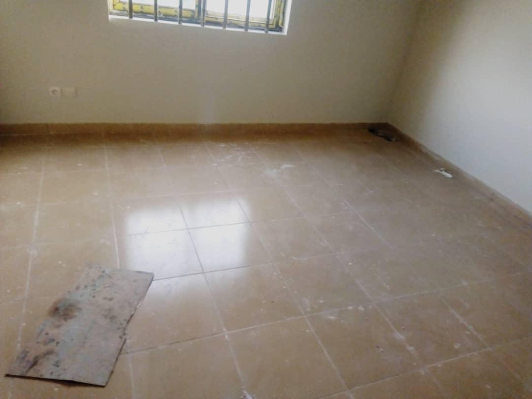 Appartement à louer , entreprise de l'union                     , Lome : 90 000 FCFA/mois