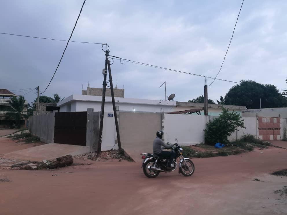 Villa à vendre , avedji                         (Non loin du clinique source de vie)                     , Lome : 50 000  000 FCFA