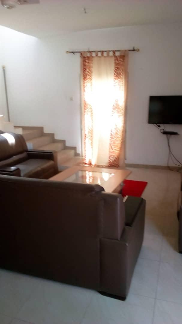 2 chambres salon à louer , adidogome                         (Adidogomé-Zionto)                     , Lome : 250 000 FCFA/mois