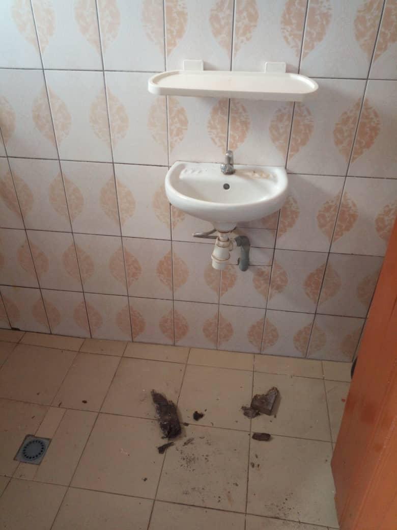 Chambre salon à louer , adidogome                         (Non loin de la poste Adidogome)                     , Lome : 31 000 FCFA/mois
